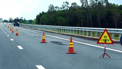 Liên danh Vinaconex.JSC - Thành An - Vinaconex E&C trúng Gói thầu Xây lắp số 6 thuộc Dự án Xây dựng đường cao tốc Đà Nẵng - Quảng Ngãi với giá trúng thầu là 1.370 tỷ đồng. Ảnh: Minh Hoàng