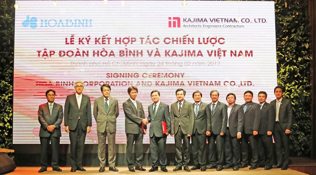 Ngày 24/2/2017 vừa qua, Công ty TNHH Kajima Việt Nam và Công ty CP  XD và KD Địa ốc Hòa Bình cũng đã chính thức tổ chức lễ ký kết hợp tác chiến lược về lĩnh vực thi công xây dựng.