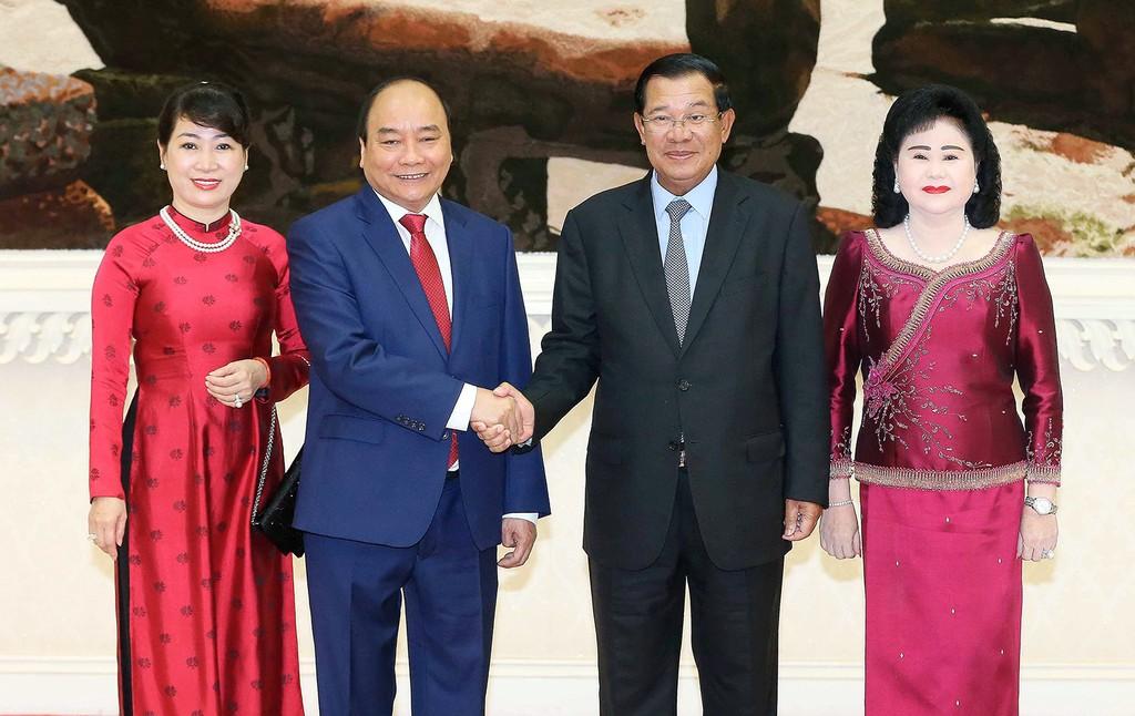 Thủ tướng Nguyễn Xuân Phúc hội đàm với Thủ tướng Campuchia - ảnh 1