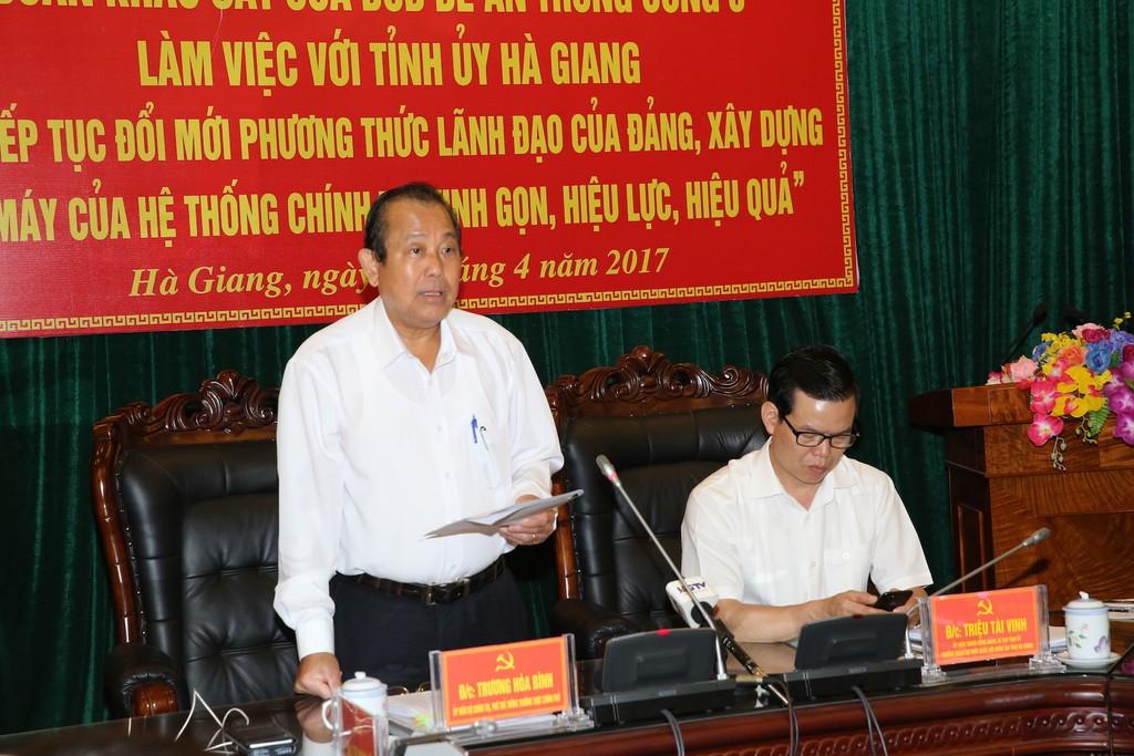 Phó Thủ tướng Thường trực Chính phủ Trương Hoà Bình làm việc với Tỉnh ủy Hà Giang. Ảnh: VGP