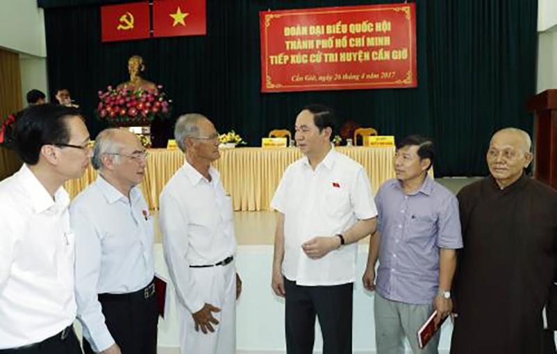 Chủ tịch nước Trần Đại Quang tiếp xúc cử tri huyện Cần Giờ - Tp Hồ Chí Minh - ảnh 1