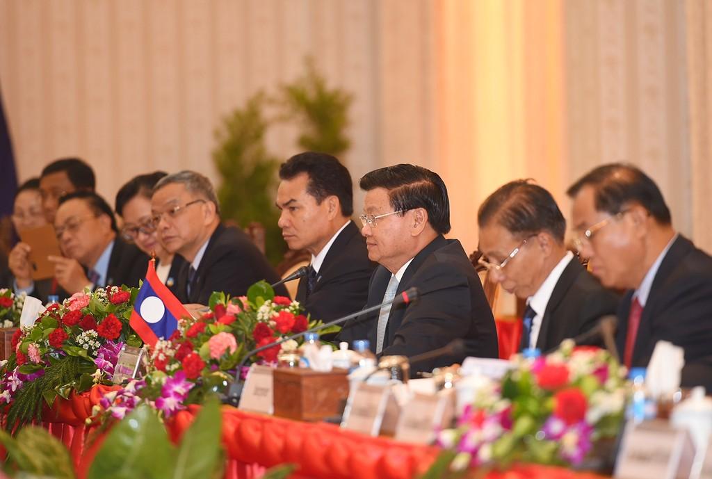 Thủ tướng Nguyễn Xuân Phúc hội đàm với Thủ tướng Lào - ảnh 2