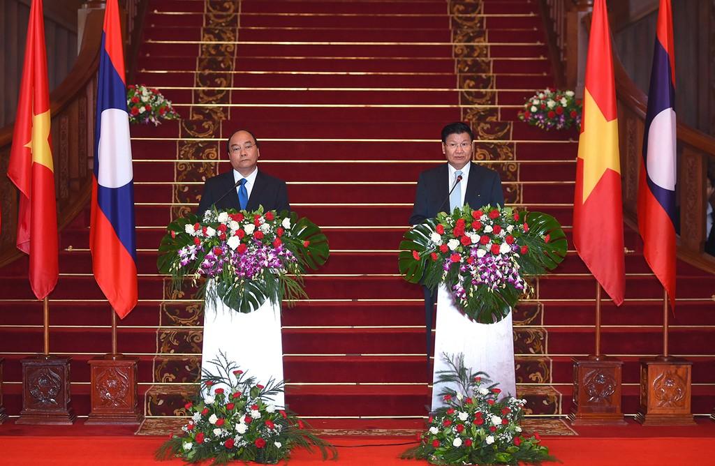 Thủ tướng Nguyễn Xuân Phúc hội đàm với Thủ tướng Lào - ảnh 4