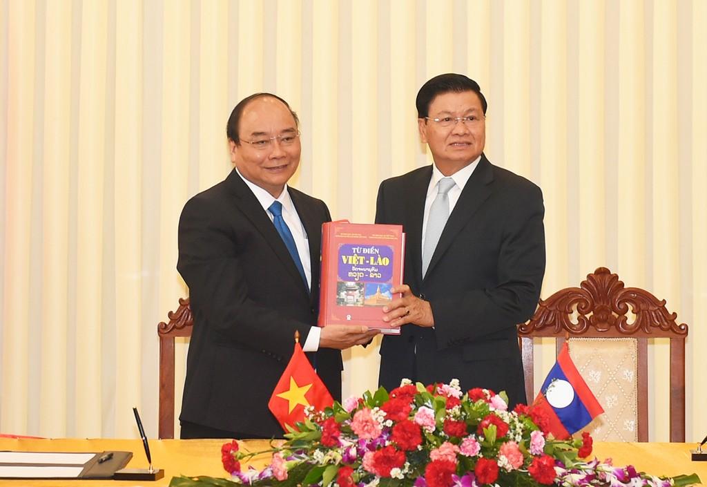 Thủ tướng Nguyễn Xuân Phúc hội đàm với Thủ tướng Lào - ảnh 5