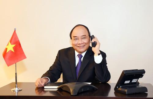 Thủ tướng Nguyễn Xuân Phúc điện đàm với một số nghị sĩ Hoa Kỳ. Ảnh: VGP