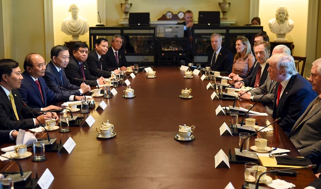 Thủ tướng Nguyễn Xuân Phúc hội đàm với Tổng thống Donald Trump - ảnh 2