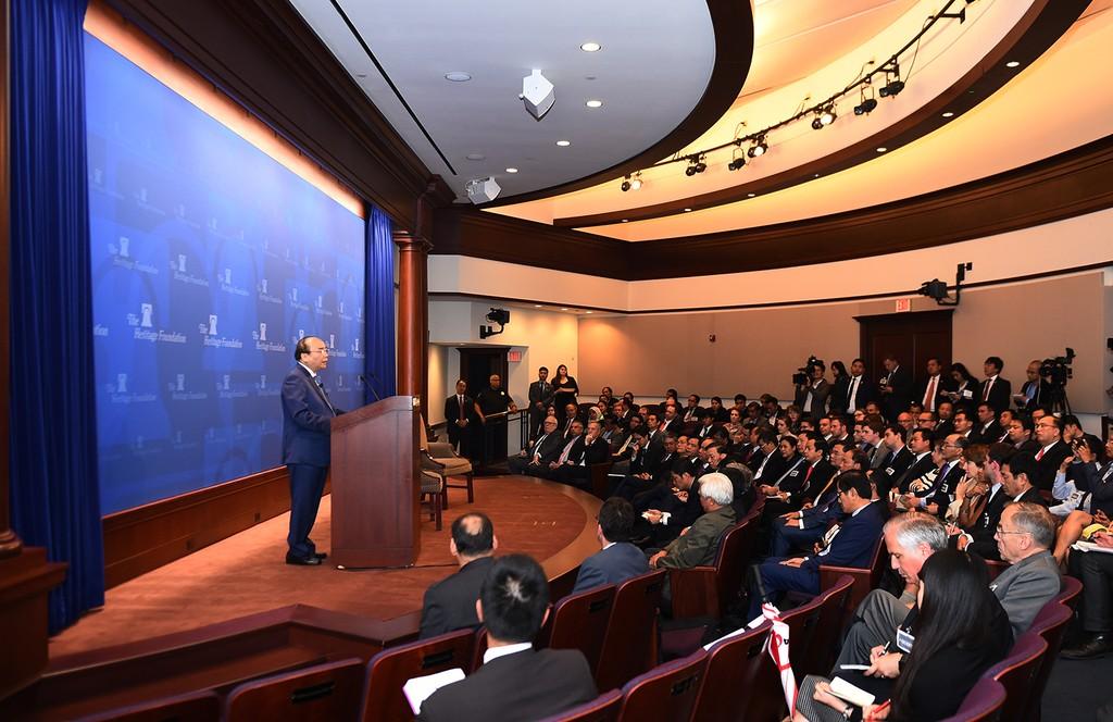 Thủ tướng Nguyễn Xuân Phúc thăm, phát biểu tại Viện Di sản, Hoa Kỳ - ảnh 1