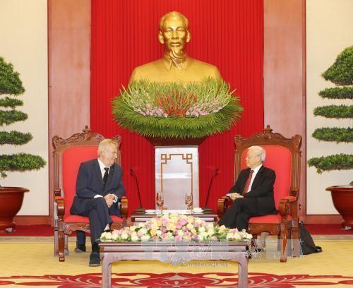 Tổng Bí thư Nguyễn Phú Trọng tiếp Tổng thống Cộng hòa Czech Milos Zeman. Ảnh: TTXVN