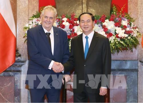 Chủ tịch nước Trần Đại Quang và Tổng thống Cộng hòa Séc. Ảnh: TTXVN
