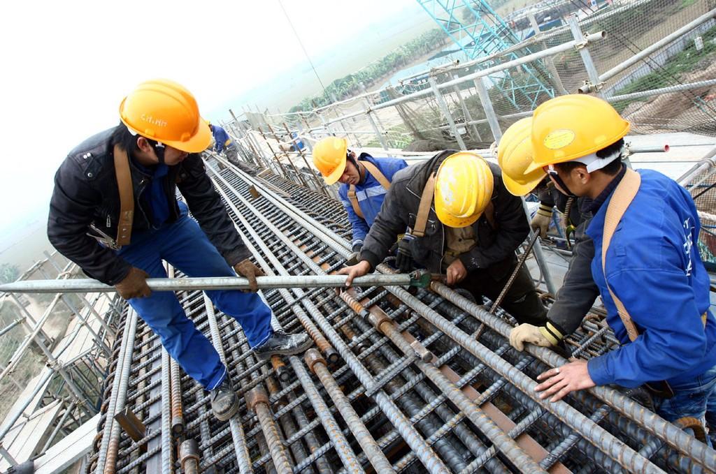 Lãng phí trong khâu bố trí vốn, thực hiện dự án là một trong ba lãng phí lớn của đầu tư công hiện nay. Ảnh: Tường Lâm