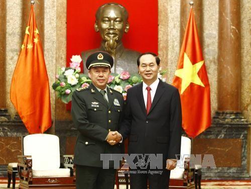 Chủ tịch nước Trần Đại Quang và Thượng tướng Phạm Trường Long, Ủy viên Bộ Chính trị, Phó Chủ tịch Quân ủy Trung ương Trung Quốc. Ảnh: TTXVN