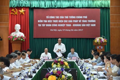 Bộ trưởng, Chủ nhiệm VPCP Mai Tiến Dũng phát biểu tại cuộc làm việc với TKV. Ảnh: VGP