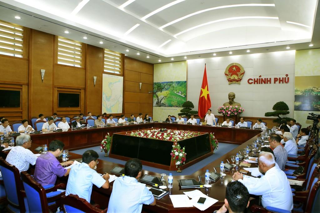 Phó Thủ tướng Vương Đình Huệ: Doanh nghiệp cần cơ chế, chính sách hơn hỗ trợ bằng tiền - ảnh 1