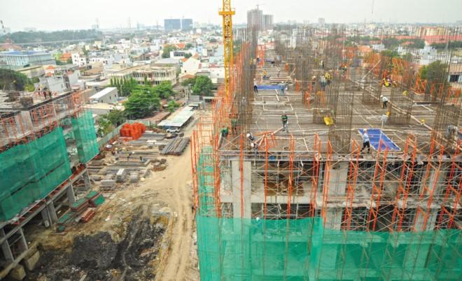 Việc xây dựng, sửa chữa nhà thời bão giá vật liệu luôn làm cho chủ thầu xây dựng và người dân đau đầu.
