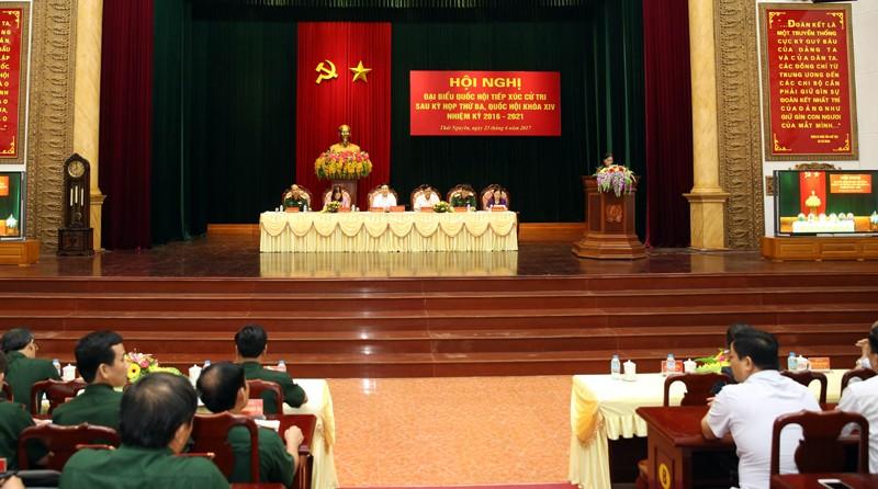 Phó Thủ tướng Phạm Bình Minh tiếp xúc cử tri Thái Nguyên - ảnh 1