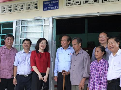 Phó Thủ tướng Trương Hòa Bình tiếp xúc cử tri Long An - ảnh 2