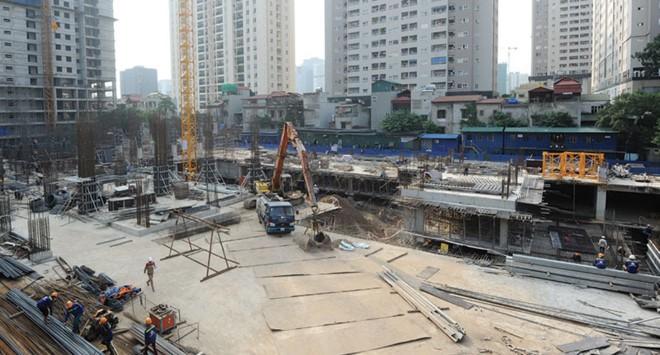 Theo quy định, dự án nhà ở hình thành trong tương lai muốn mở bán phải có bảo lãnh của ngân hàng.