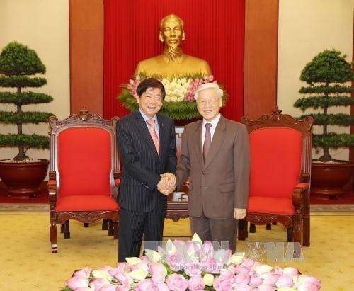 Tổng Bí thư Nguyễn Phú Trọng tiếp Chủ tịch Đảng Hành động Nhân dân Singapore (PAP). Ảnh: TTXVN