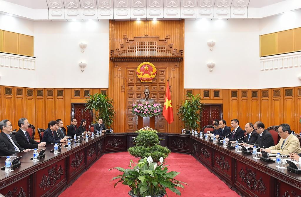 Tổng Bí thư, Thủ tướng tiếp Đoàn cấp cao Đảng Hành động Nhân dân Singapore cầm quyền - ảnh 2