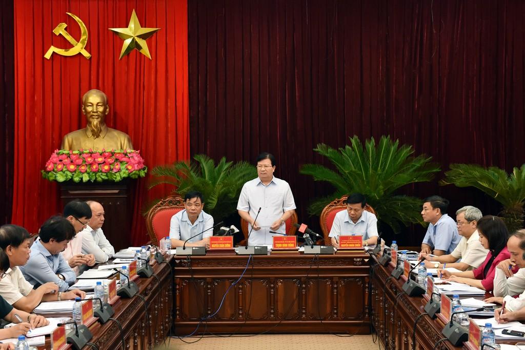 Phó Thủ tướng nêu nguyên nhân chính khiến chăn nuôi khó khăn - ảnh 1