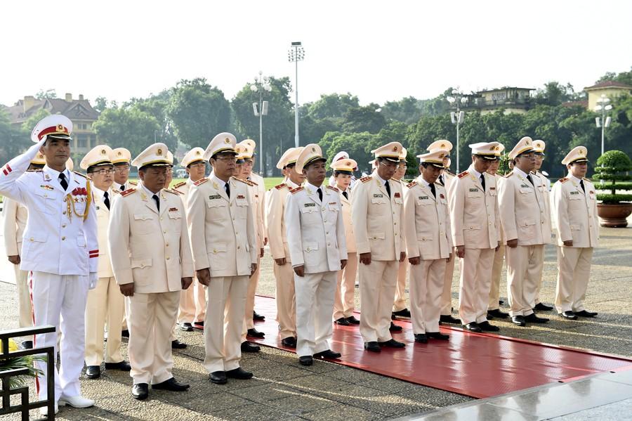 Lãnh đạo Đảng, Nhà nước viếng Chủ tịch Hồ Chí Minh - ảnh 3