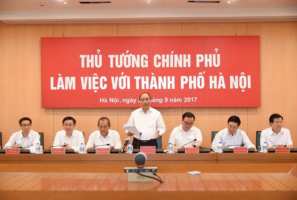 Thủ tướng Nguyễn Xuân Phúc và các Phó Thủ tướng Chính phủ làm việc với lãnh đạo TP. Hà Nội. Ảnh: VGP