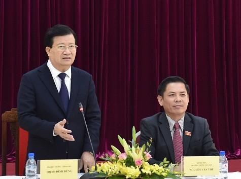 Phó Thủ tướng Trịnh Đình Dũng phát biểu tại cuộc làm việc. Ảnh: VGP