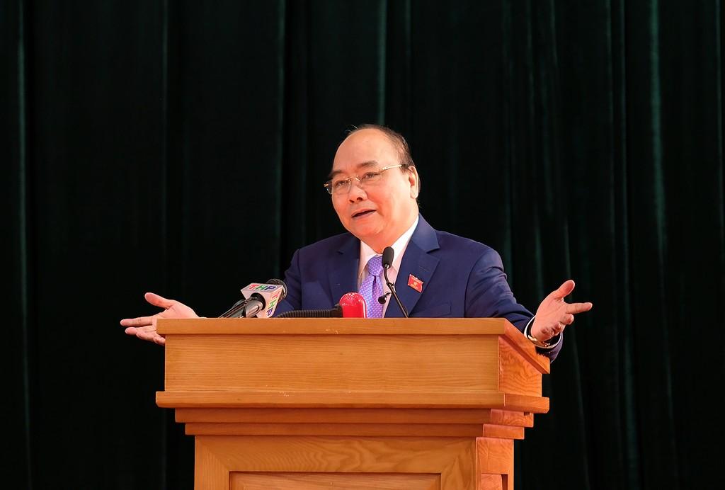Thủ tướng Nguyễn Xuân Phúc phát biểu tại buổi tiếp xúc cử tri. Ảnh: VGP