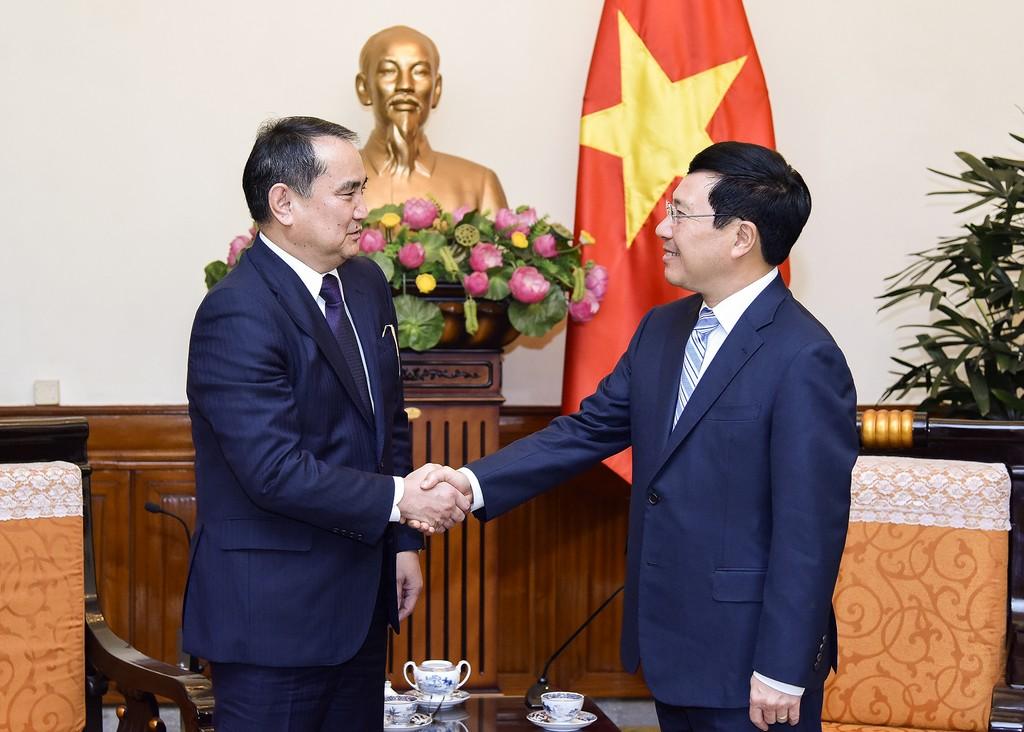Phó Thủ tướng, Bộ trưởng Ngoại giao Phạm Bình Minh tiếp Thứ trưởng Bộ Ngoại giao Kazakhstan Akylbek Kamaldinov. Ảnh: VGP