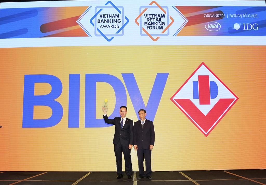 """BIDV trở thành ngân hàng duy nhất năm thứ 2 liên tiếp nhận giải """"Ngân hàng bán lẻ tiêu biểu nhất"""""""