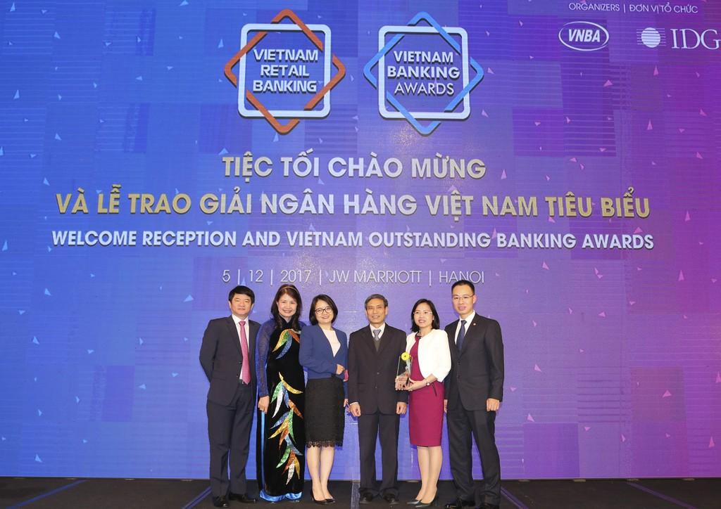 """BIDV trở thành ngân hàng duy nhất năm thứ 2 liên tiếp nhận giải """"Ngân hàng bán lẻ tiêu biểu nhất""""  - ảnh 1"""