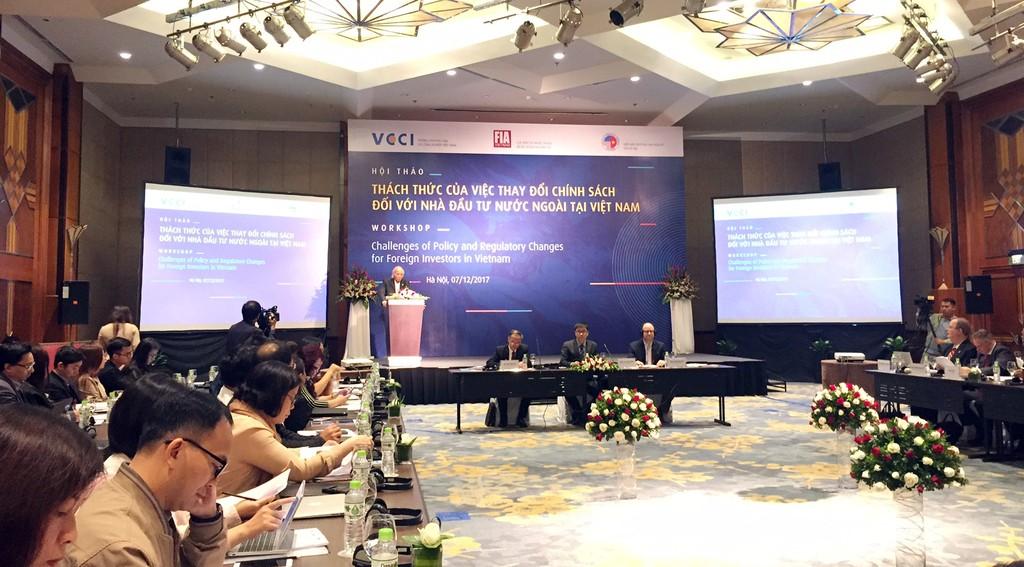 Hội thảo Thách thức của việc thay đổi chính sách đối với nhà đầu tư nước ngoài tại Việt Nam. Ảnh: Việt Anh