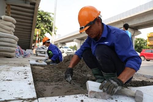 Chủ tịch Hà Nội yêu cầu tạm dừng các dự án lát đá vỉa hè chuẩn bị triển khai. Ảnh minh hoạ: Internet