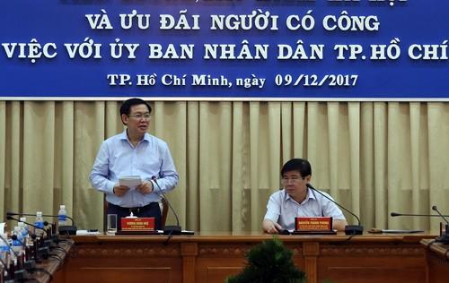 Phó Thủ tướng Vương Đình Huệ phát biểu tại cuộc làm việc. Ảnh: VGP