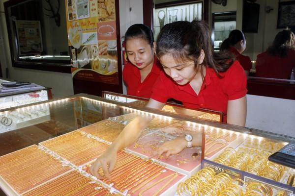 NHNN đề xuất bãi bỏ điều kiện sản xuất vàng trang sức, mỹ nghệ.