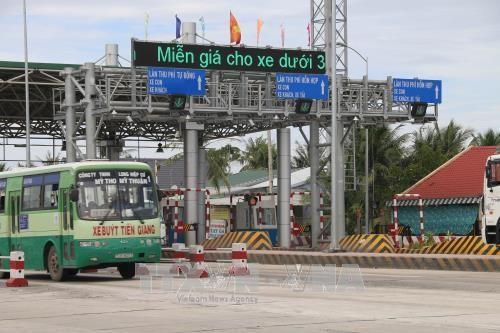 Trạm BOT tuyến tránh thị xã Cai Lậy. Ảnh: TTXVN