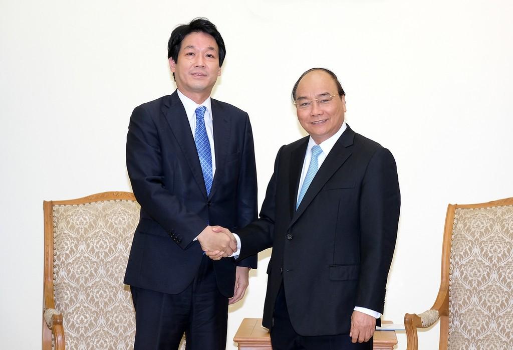 Thủ tướng Chính phủ Nguyễn Xuân Phúc tiếp Cố vấn đặc biệt của Thủ tướng Nhật Bản Sonoura Kentaro. Ảnh: VGP