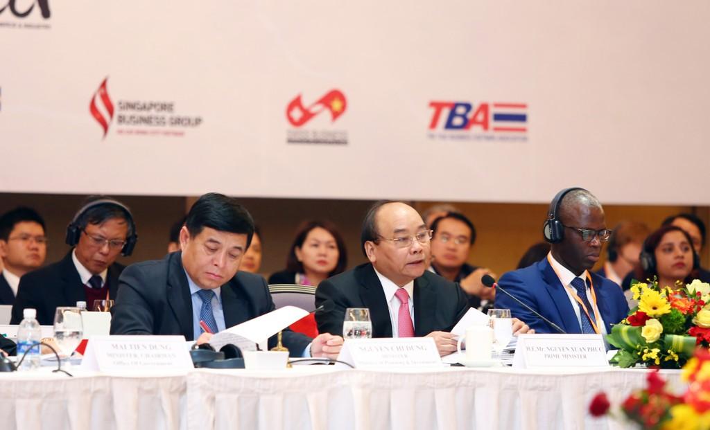 Thủ tướng Chính phủ tham dự, chỉ đạo tại Diễn đàn VBF 2017 cuối kỳ vừa khai mạc tại Hà Nội sáng 12/12/2017. Ảnh: Lê Tiên