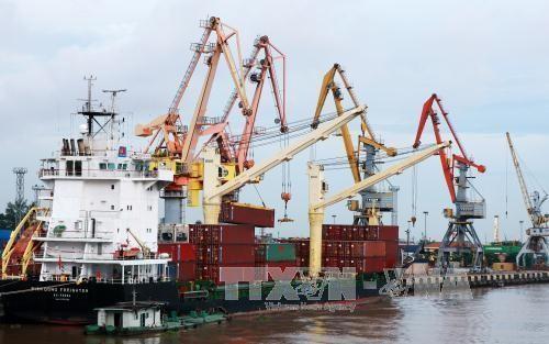 Từ 1/1/2018, Hải Phòng điều chỉnh mức thu phí cảng biển. Ảnh minh họa: TTXVN