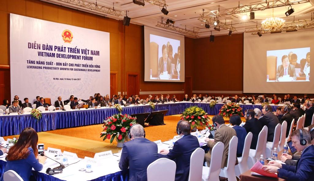 Diễn đàn Phát triển Việt Nam 2017: 3 thành công, 5 thành tựu của nền kinh tế 2017 - ảnh 1