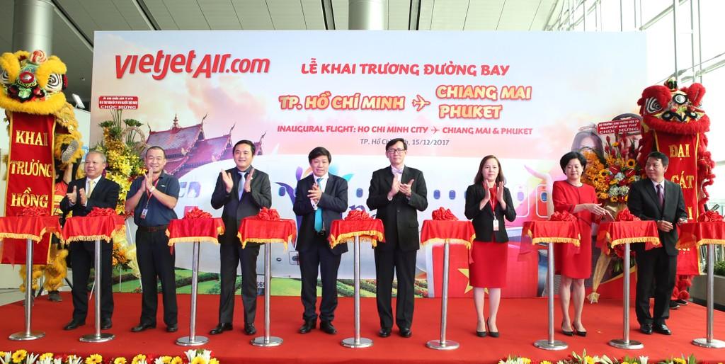 Nghi thức cắt băng khai trương 2 đường bay mới: TP.HCM – Phuket & TP.HCM – Chiang Mai.
