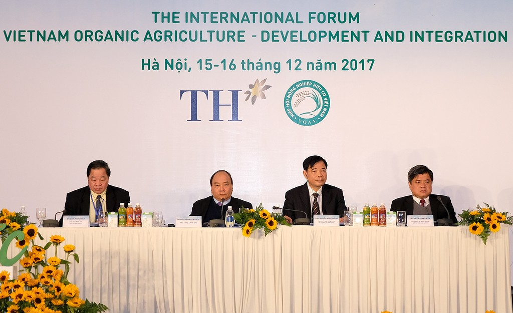 Thủ tướng kêu gọi phát triển nông nghiệp hữu cơ - ảnh 1