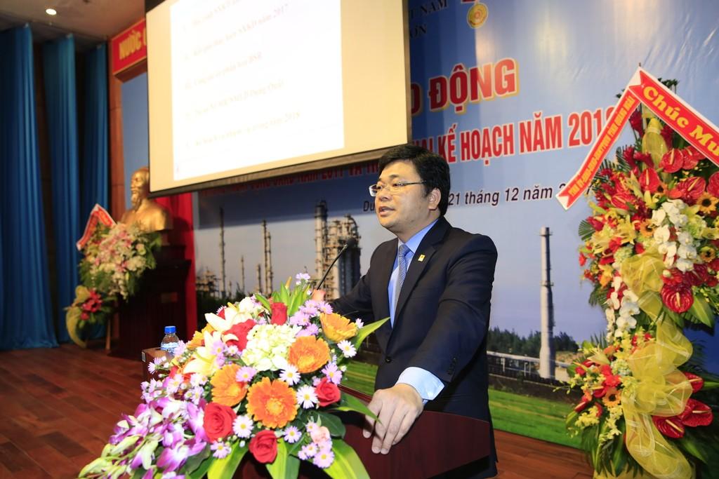 Tổng giám đốc BSR Trần Ngọc Nguyên báo cáo tổng kết 2017