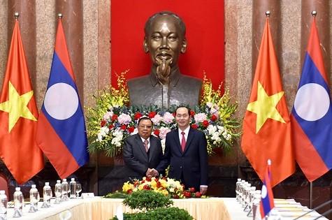 Chủ tịch nước Trần Đại Quang và Tổng Bí thư, Chủ tịch nước Lào Bounnhang Vorachith. Ảnh: VGP