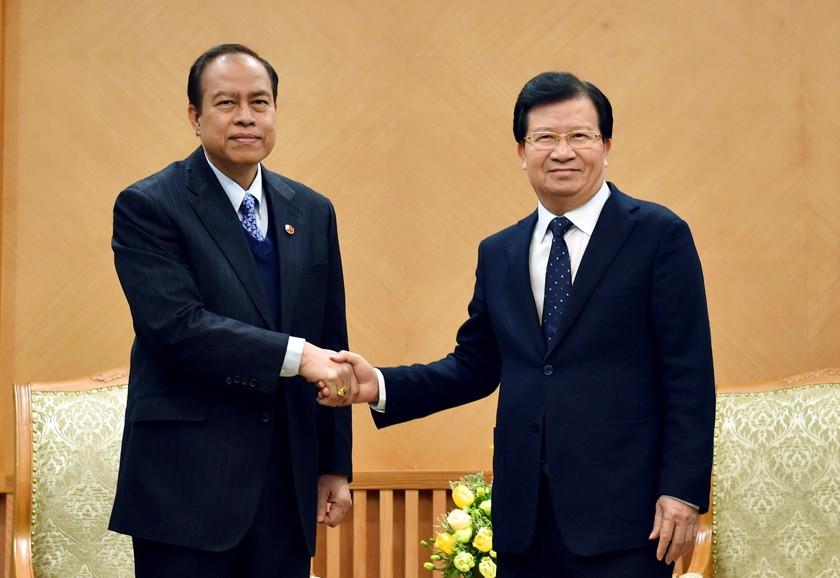 Phó Thủ tướng Trịnh Đình Dũng tiếp Ngài U Tint Swai – Chủ tịch Hội hữu nghị Myanmar-Việt Nam. Ảnh: VGP