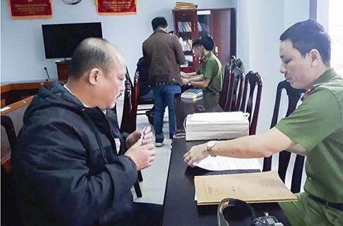 Nghi phạm Trương Thanh Tùng tại cơ quan công an.