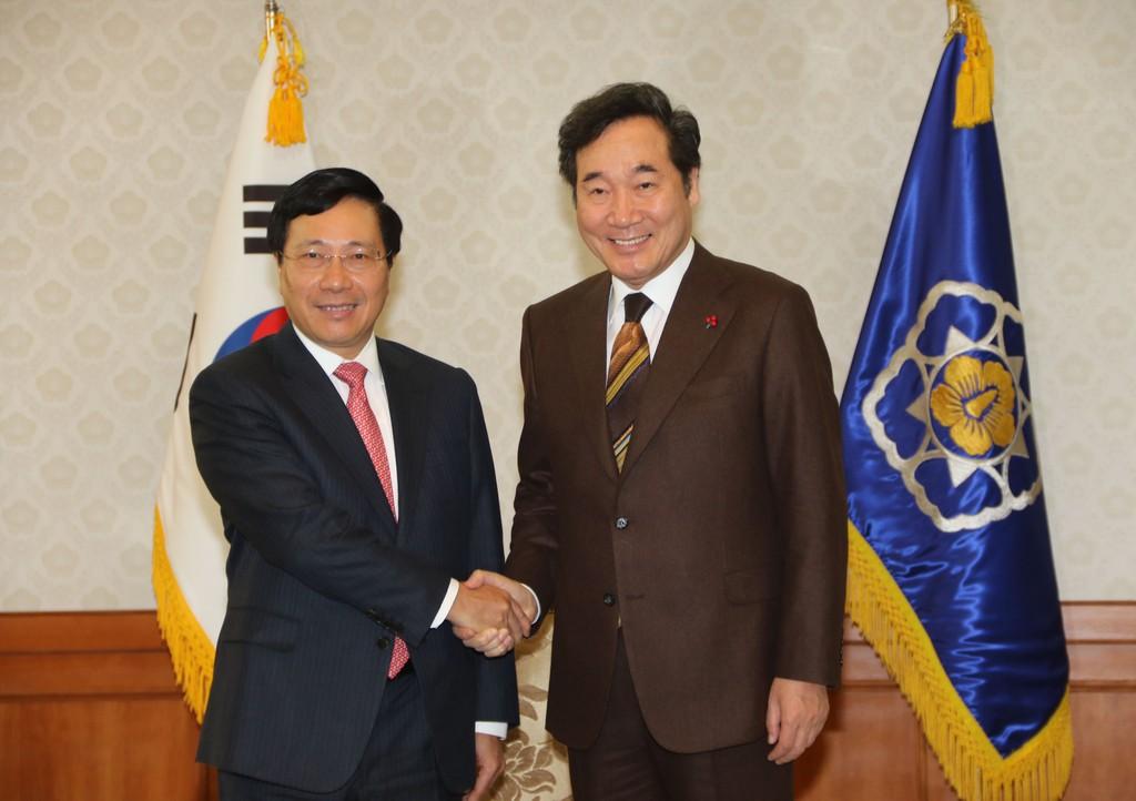 Phó Thủ tướng Phạm Bình Minh hội kiến Tổng thống, Thủ tướng Hàn Quốc - ảnh 1