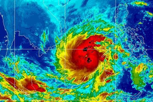 Tembin được đánh giá là cơn bão mạnh, đổ bộ vào đất liền với sức gió hơn 100 km/h.