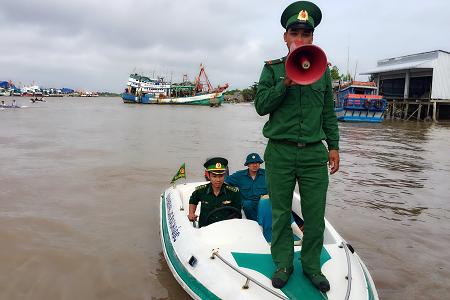 Phó Thủ tướng Trịnh Đình Dũng kiểm tra, đôn đốc ứng phó bão - ảnh 11