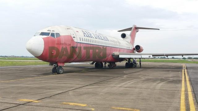 """Chiếc Boeing 727-200 bị """"bỏ rơi"""" ở Nội Bài 10 năm qua"""